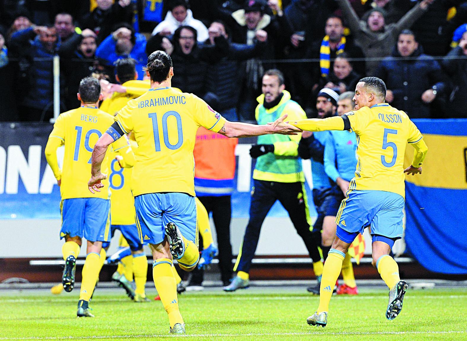 La Suède prend un léger avantage sur  le Danemark dans la course à l'Euro 2016
