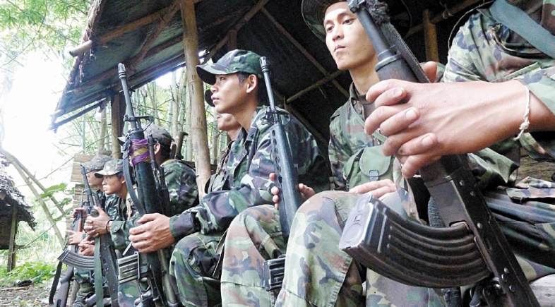Combats meurtriers entre armée et rebelles en Birmanie
