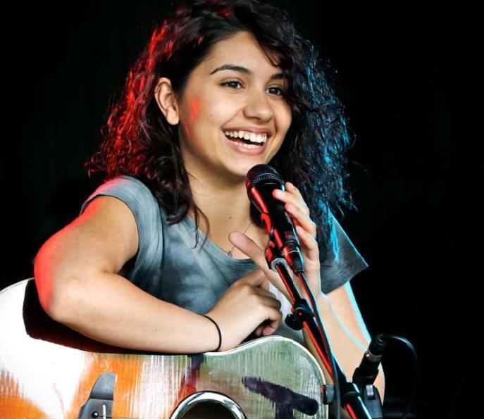 "La jeune chanteuse Alessia Cara jure ne pas être la énième ""teen pop star"""