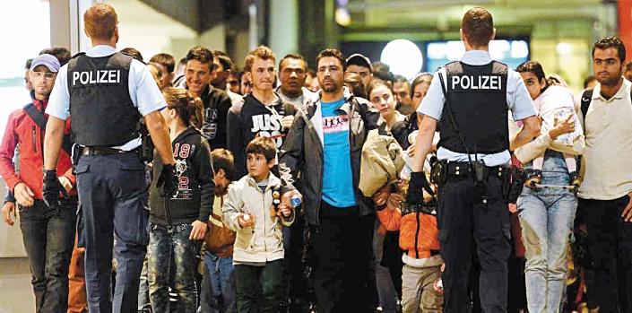 Valls demande à l'UE d'arrêter l'accueil des réfugiés