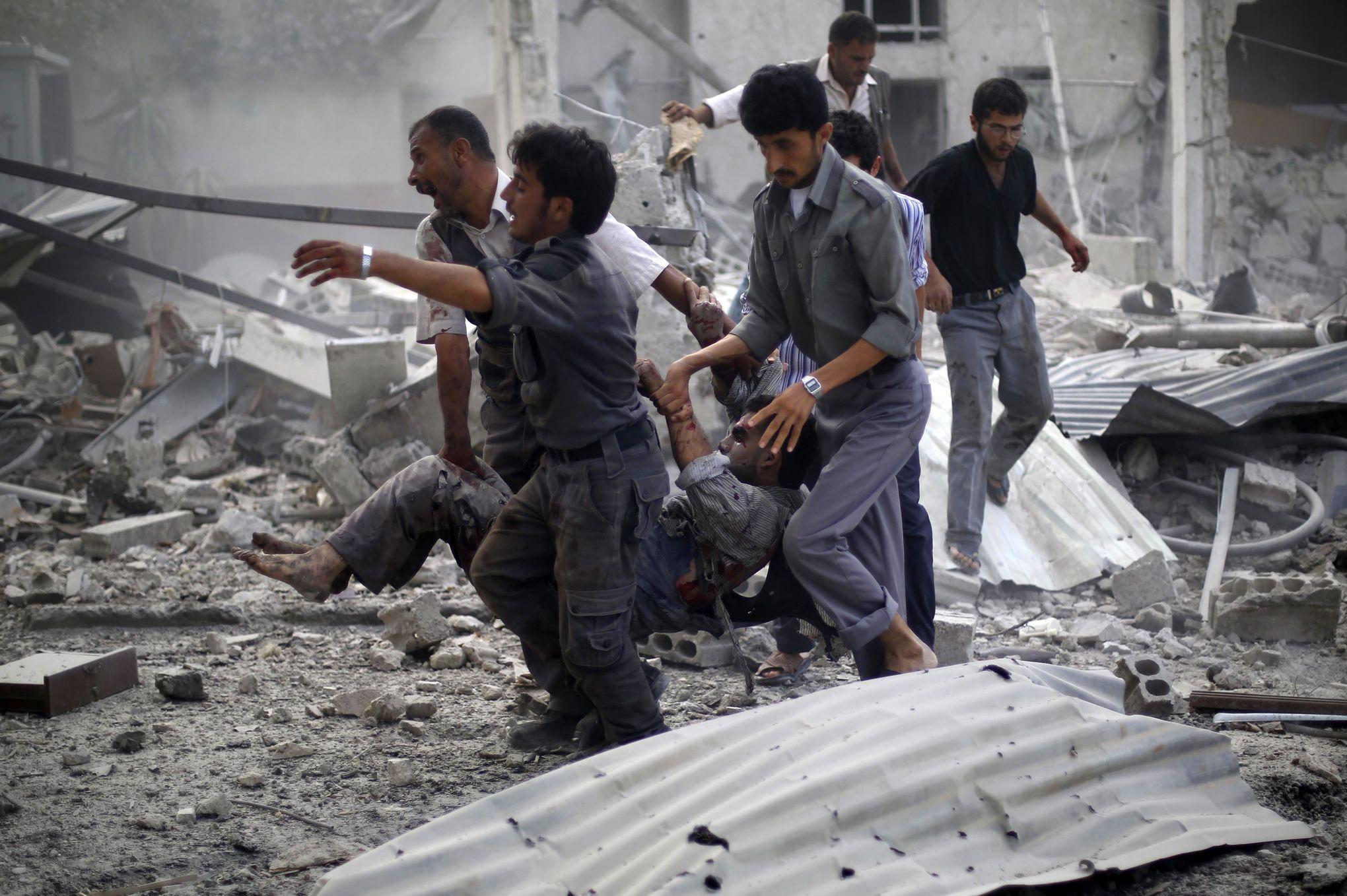 18 civils tués et 40 blessés dans des raids en Syrie
