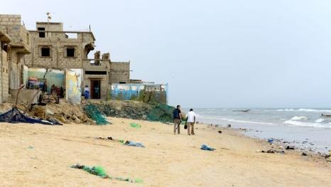 Au Sénégal, l'océan bouscule les hommes