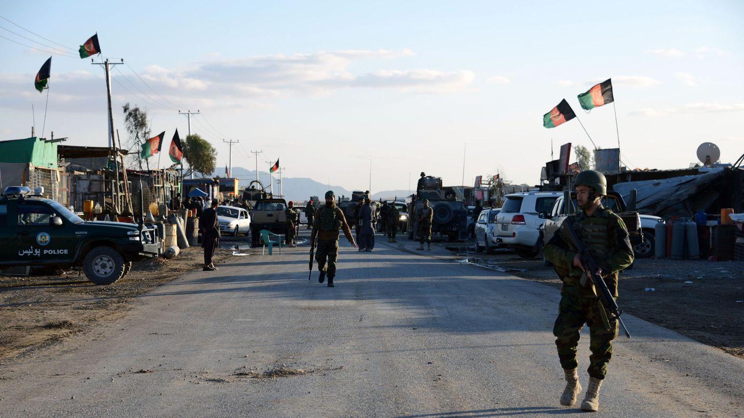 Le bilan de l'assaut taliban contre un aéroport atteint 50 morts