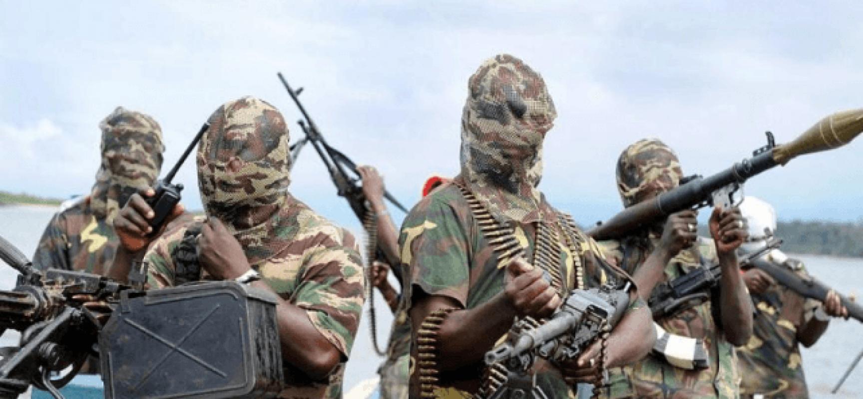 Le danger du groupe EI croît en Afrique