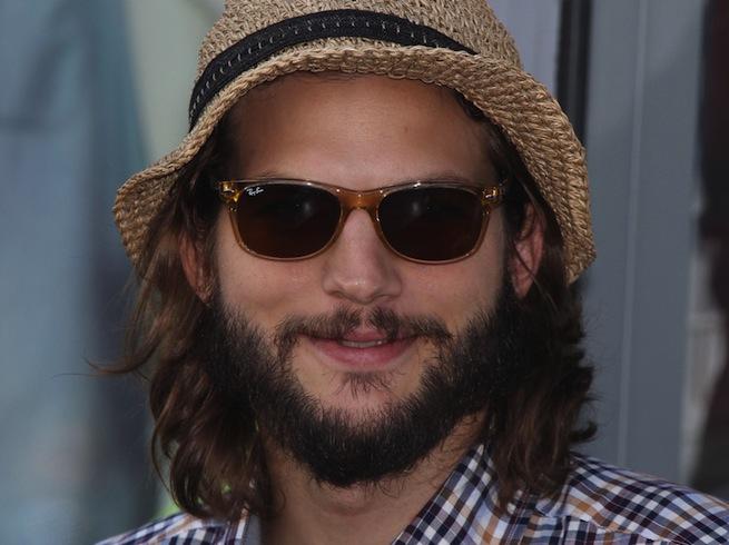 Le premier job des stars : Ashton Kutcher