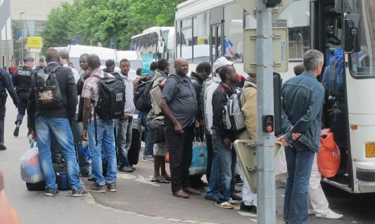 Manifestation aux Pays-Bas contre un projet de centre pour demandeurs d'asile