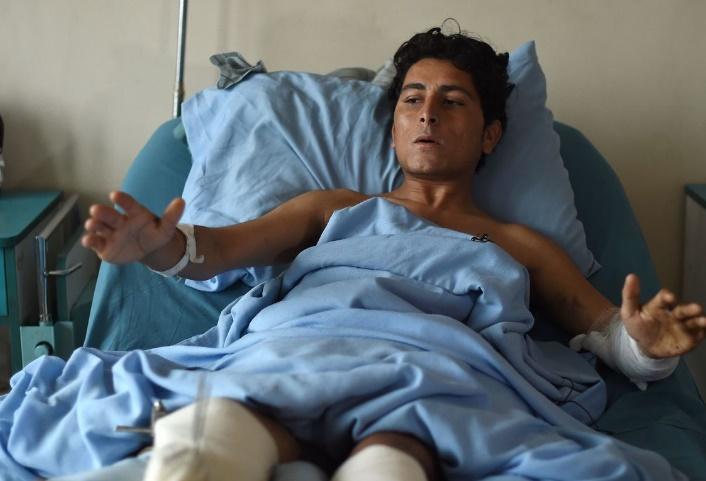 A l'hôpital militaire de Kaboul, soldats et talibans blessés se côtoient sans le savoir