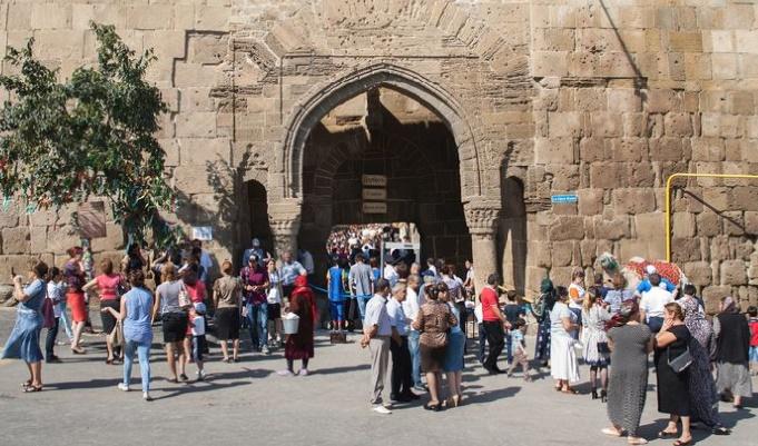 Fusillade contre un groupe de touristes au Daghestan
