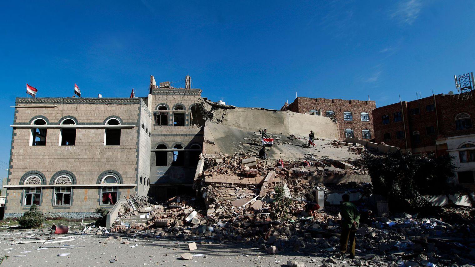 La coalition arabe dément utiliser des bombes à sous-munitions au Yémen