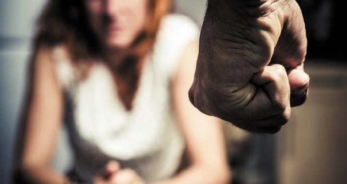 La violence basée sur le genre est l'une des violations les plus répandues des droits humains