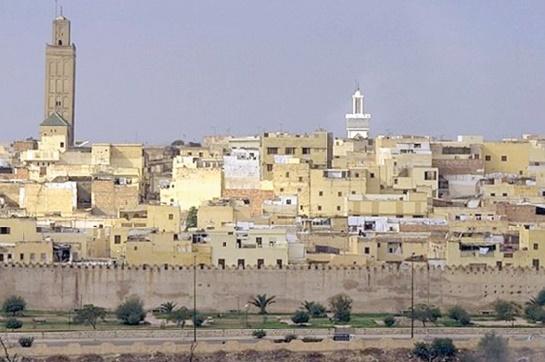 """Débat à Meknès sur """"L'identité entre l'universalité et la spécificité"""""""