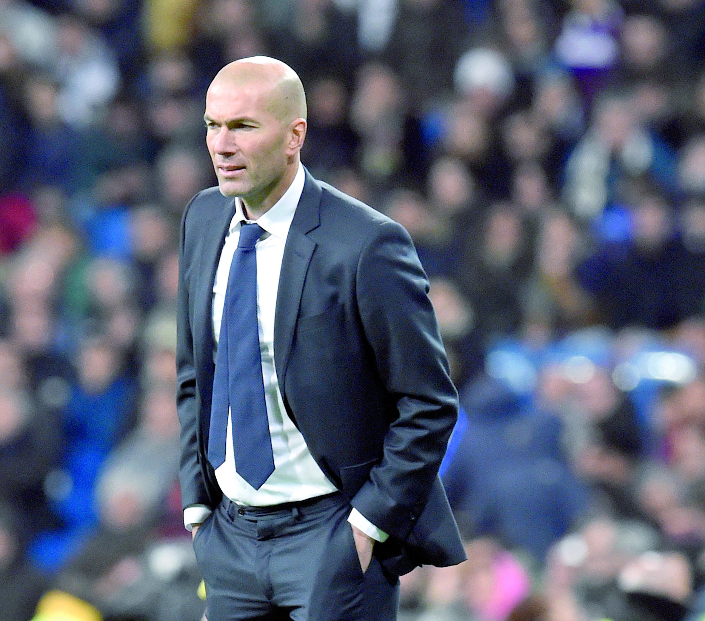 Zidane juge absurde l'interdiction de transferts pour le Real