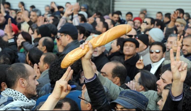 Des manifestations de chômeurs dégénèrent en Tunisie