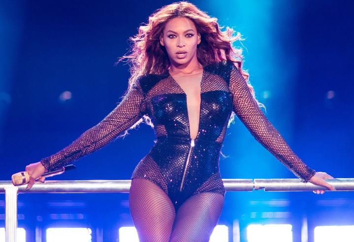 Pourquoi Beyoncé a retardé la sortie de son album