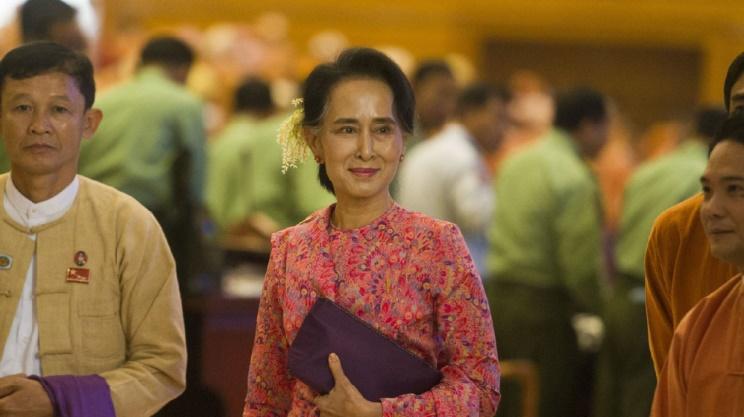 Le parti d'Aung San Suu Kyi prend les rênes du Parlement