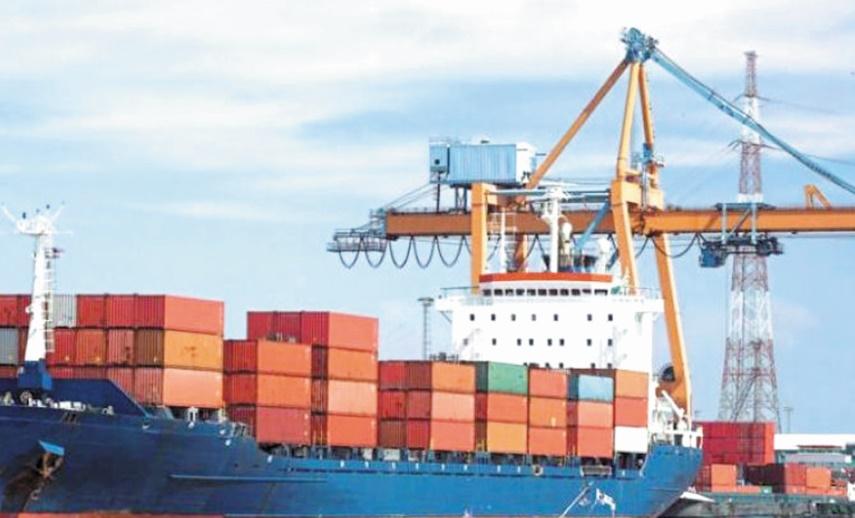 Le déficit commercial poursuit son allégement