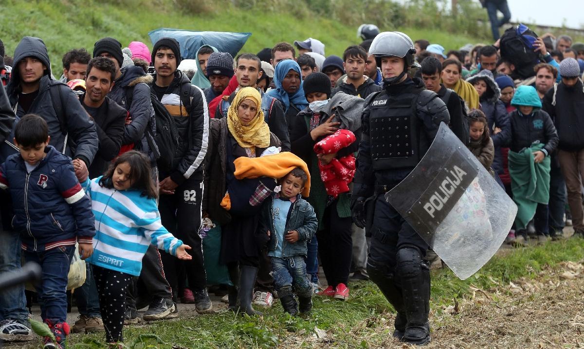 L'UE donne trois mois à la Grèce pour renforcer la gestion de sa frontière
