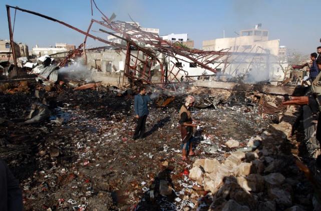 Au moins 9 morts dans un attentat suicide contre un camp militaire à Aden