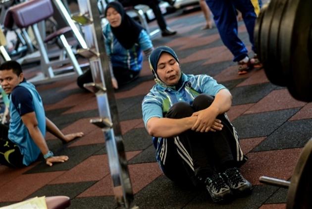 Régime et sport pour policiers obèses en Malaisie