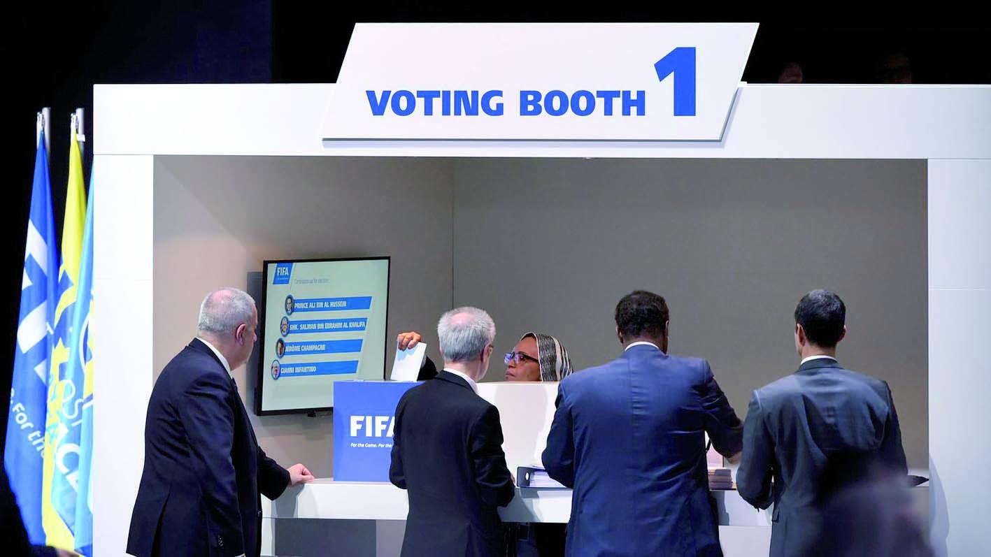 Pour le nouveau président de la FIFA, le plus dur commence