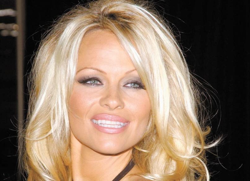 Pamela Anderson pas tenté   par le remake d'Alerte à Malibu