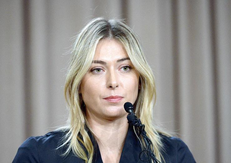 Maria Sharapova tombe de haut