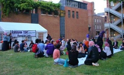 Renforcement des liens entre les jeunes Britanniques d'origine marocaine