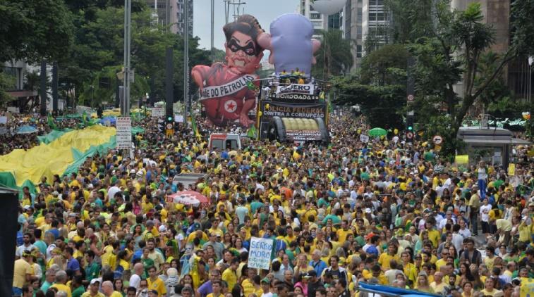 Manifestations d'ampleur historique contre la présidente Rousseff