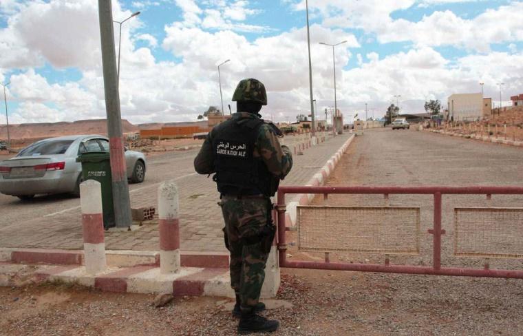 Tunis rouvre sa frontière avec la Libye