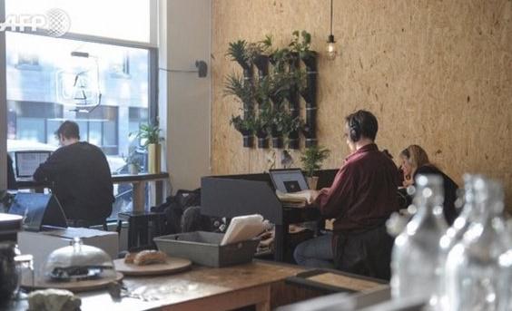 Des cafés canadiens réinventent l'espace de travail