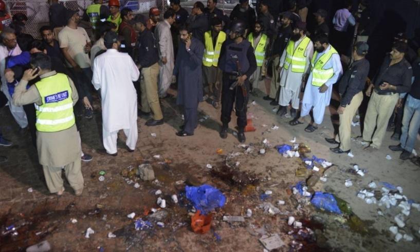 Le Pakistan sous le choc après un attentat suicide ayant fait 72 morts
