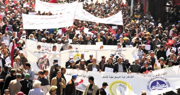 Le gouvernement contraint de reprendre le dialogue social
