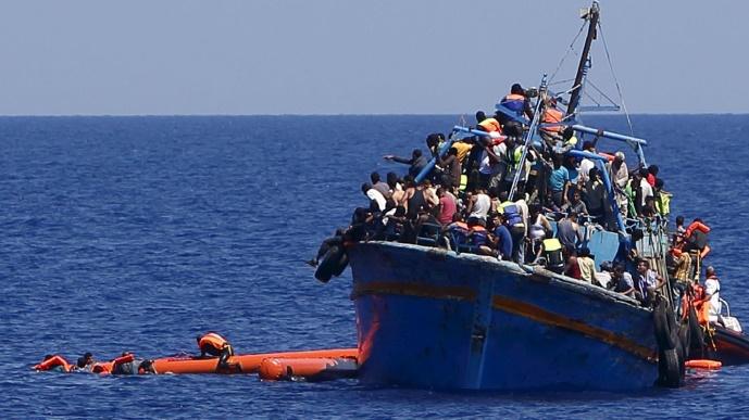 Près de 3.500 migrants morts en Méditerranée en 2015