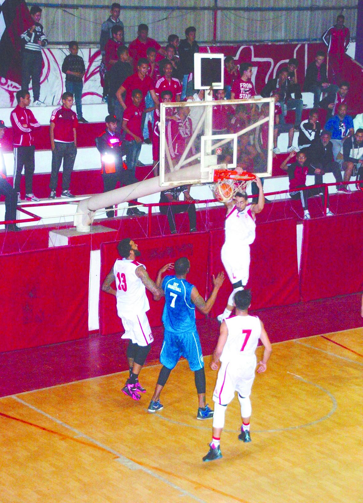 Les demi-finales de la Coupe du Trône de basketball sur parquet neutre