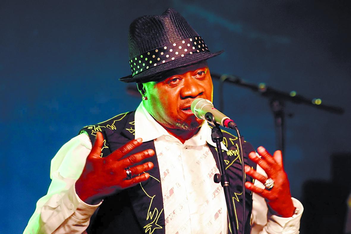 """Kinshasa pleure  la perte  de Papa Wemba, """"Roi de la rumba"""""""