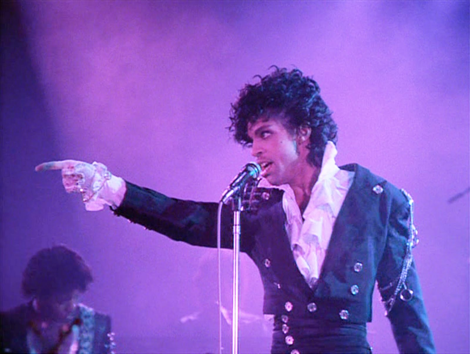 Ses coffres-forts pleins d'inédits, le défunt Prince pourrait encore ravir ses fans