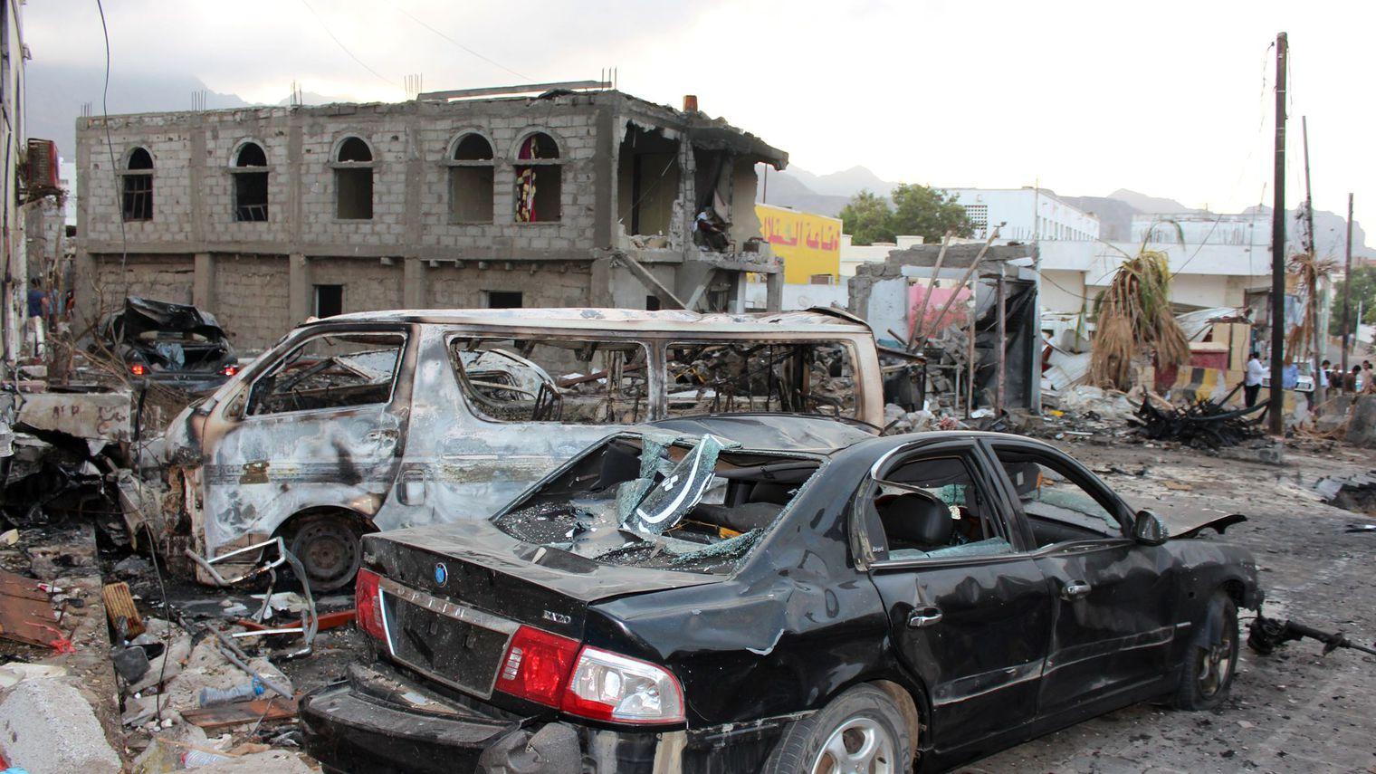 Un attentat visant le chef de la police fait plusieurs blessés à Aden