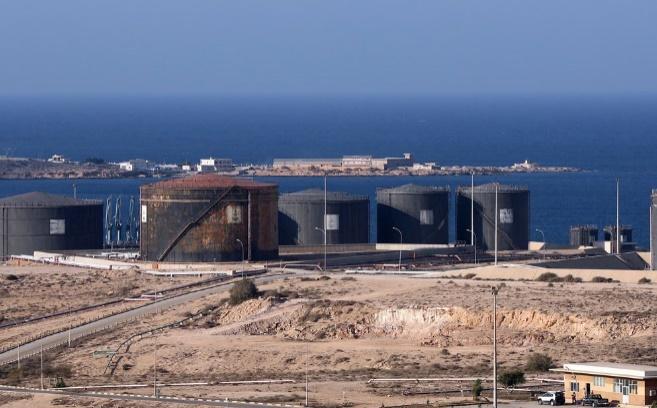 Du pétrole libyen exporté illégalement rendu au gouvernement d'union