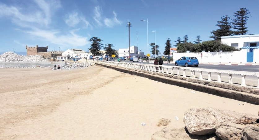 L'extension du port provoque l'ensablement de la corniche d'Essaouira