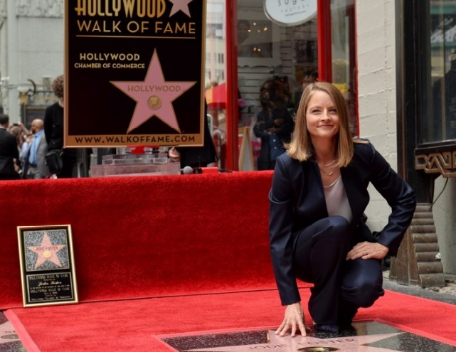 Jodie Foster inaugure son étoile sur Hollywood Boulevard