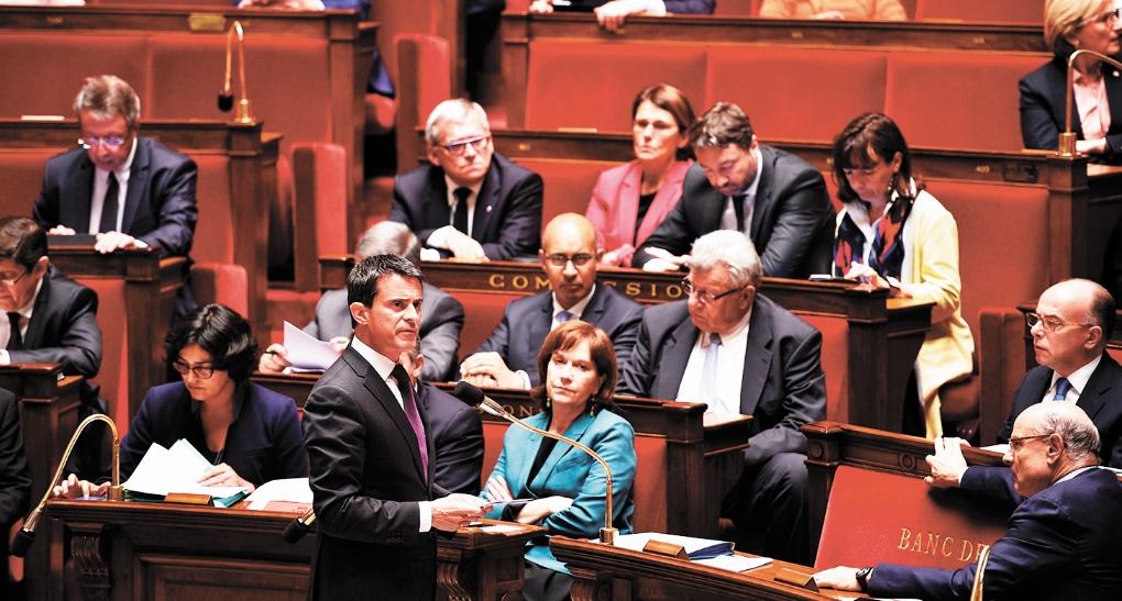 Le Premier ministre, Manuel Valls, a engagé la responsabilité  de son gouvernement via l'alinéa 3 de l'article 49 de la  Constitution afin de faire adopter sans vote le projet de Loi travail. Ph. AFP