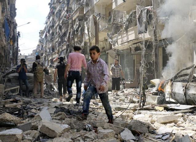 Une vingtaine de civils tués dans des attaques du régime dans le centre de la Syrie