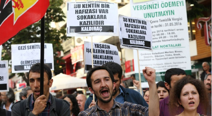 Arrestations et rassemblements interdits pour l'anniversaire de la fronde anti-Erdogan