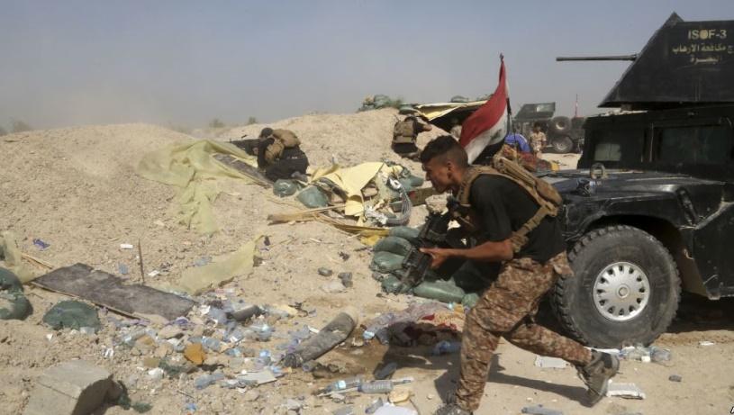 Les troupes irakiennes peinent à avancer dans Fallouja où plus de 20.000 enfants sont bloqués