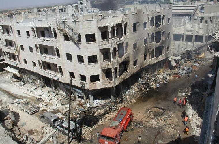 Plus d'une vingtaine de civils tués par des raids sur un marché de la ville d'Idleb