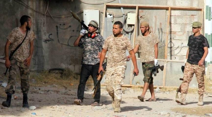Combats de rue, engins explosifs et snipers ralentissent l'avancée des antijihadistes à Syrte