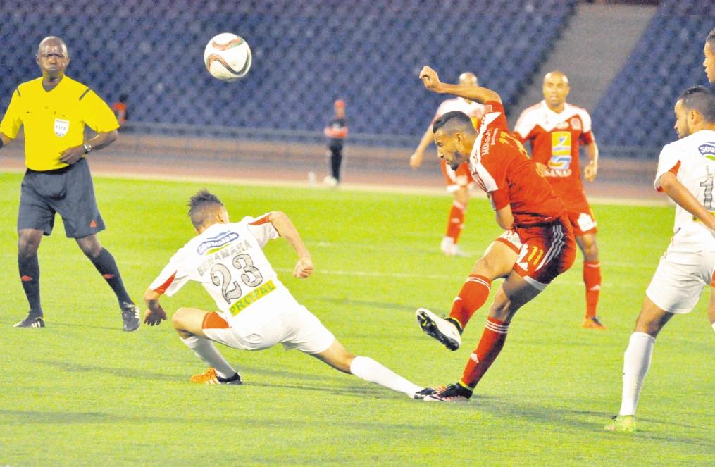 Après le Mouloudia d'Oran, place à un autre derby maghrébin pour le KACM.                      Ph. Ramzi