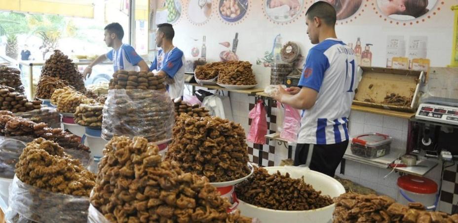 Des métiers saisonniers prospèrent durant le Ramadan dans la région du Nord