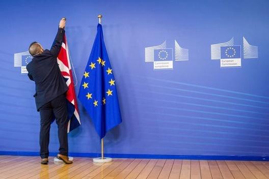 Le Royaume-Uni au pied du mur à Bruxelles