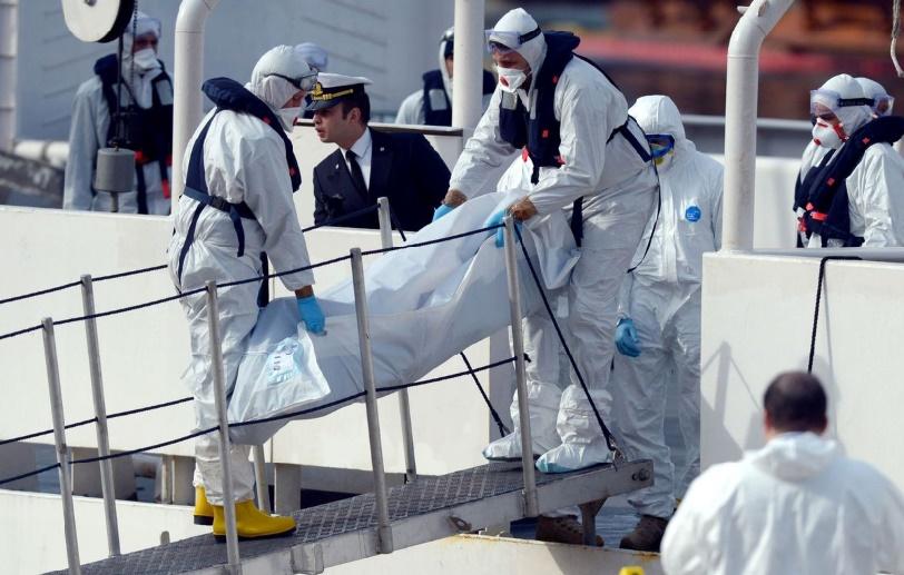 La Sicile recueille des centaines de cadavres du pire naufrage de migrants